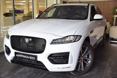 Jaguar F-Pace 30d AWD R-Sport Aut. bei Auto Mustermann in Ihre Fahrzeugfamilie