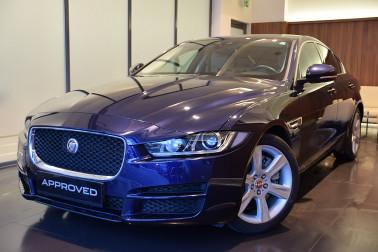 Jaguar XE 25t Prestige Aut. bei Fahrzeugbestand GB Premium Cars in Ihre Fahrzeugfamilie