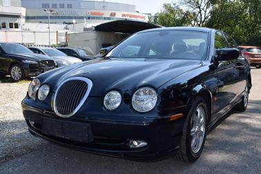 Jaguar S-Type 3,0 V6 Sport bei Fahrzeugbestand GB Premium Cars in Ihre Fahrzeugfamilie