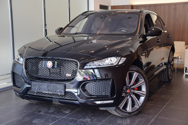 Jaguar F-Pace 30d AWD S Aut. bei BM || GB Premium Cars in