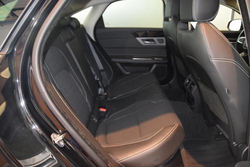 72979_1406418415403_slide bei BM || GB Premium Cars in
