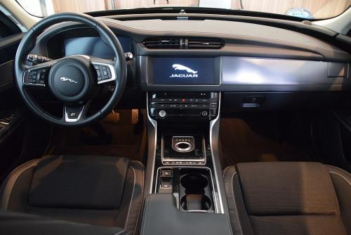 72979_1406418415407_slide bei BM || GB Premium Cars in