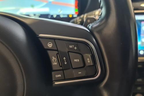 78884_1406485015684_slide bei BM || GB Premium Cars in