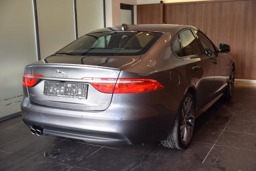 77559_1406431556839_slide bei BM || GB Premium Cars in